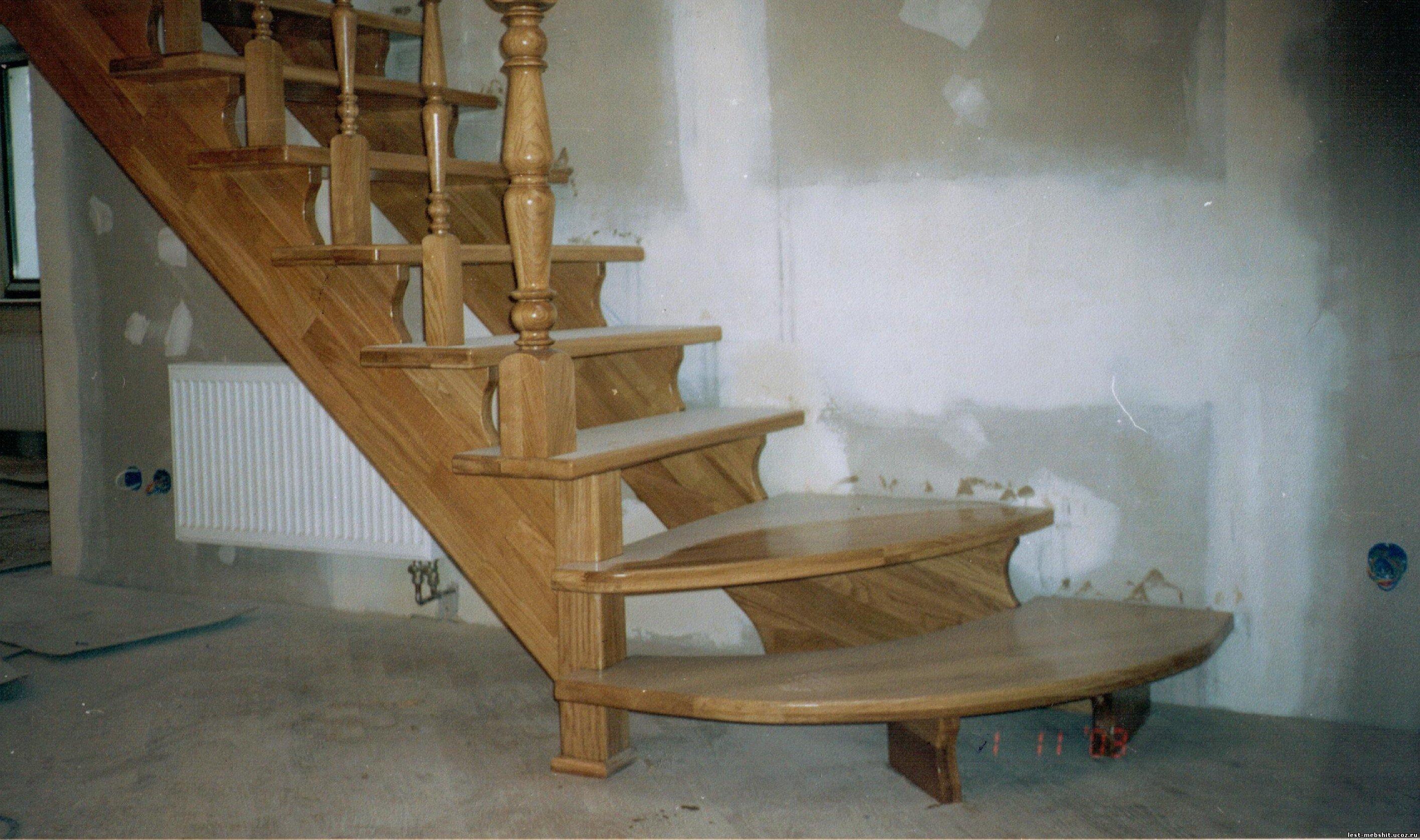 Посоветуйте, как лучше сделать лестницу на второй 84